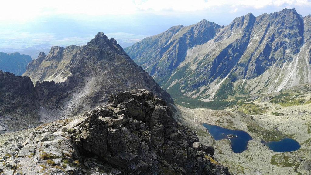Widok na Tatry Słowackie ze szlaku na Rysy