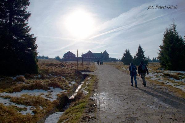 Szlak przez Śnieżne Kotły Szrenica Wodospad Kamieńczyka. Schronisko na Hali Szrenickiej