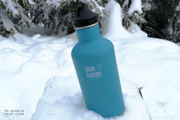 Test opinia butelka izolowana Klean Kanteen - cała przód