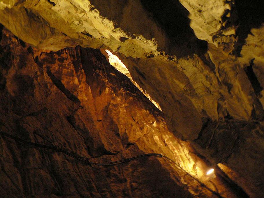 Jaskinia Mroźna otwarta