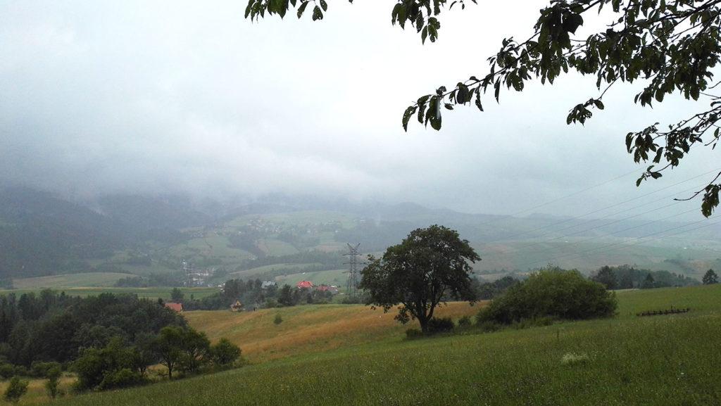 Widok ze szlaku na Lubań w Gorcach
