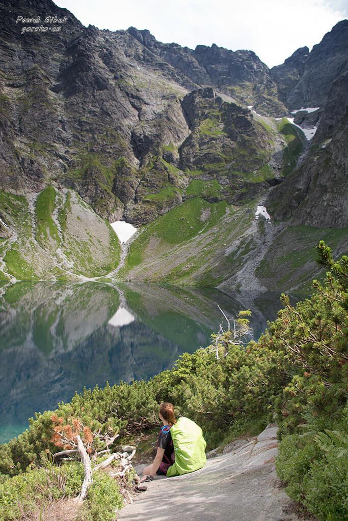 Szlak na Przełęcz pod Chłopkiem. Czarny Staw pod Rysami