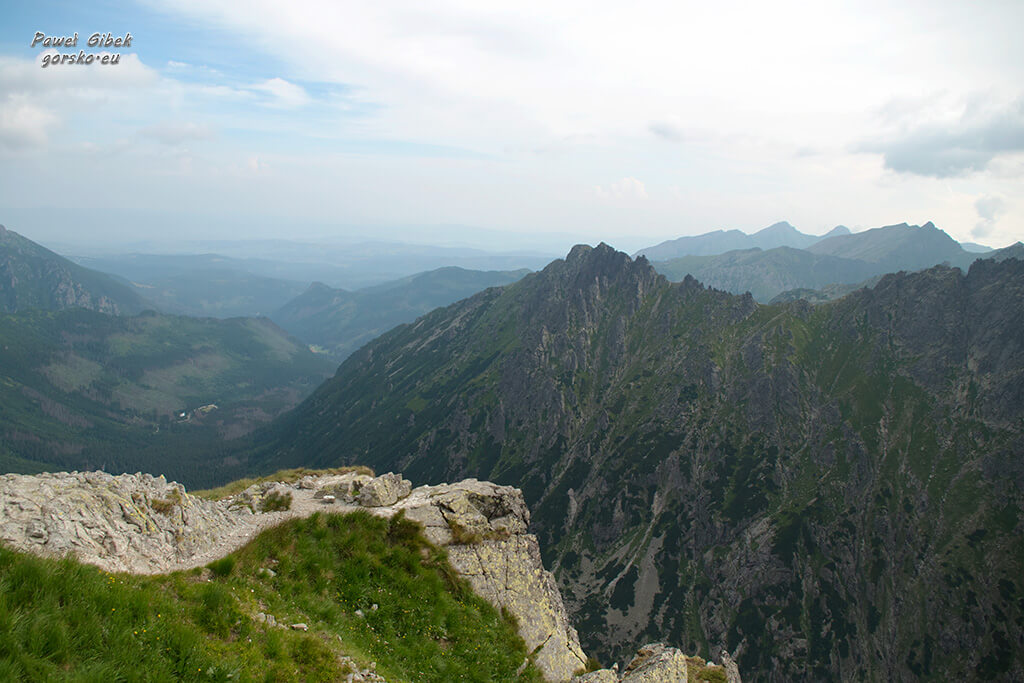 Szlak na Przełęcz pod Chłopkiem. Kazalnica