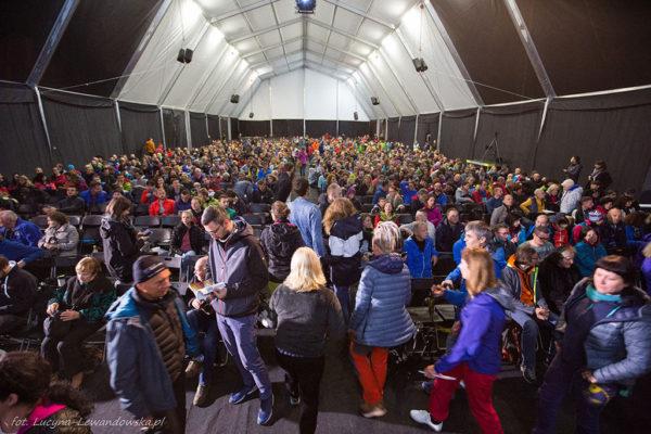 Festiwal Górski w Lądku. Publika Wielki namiot