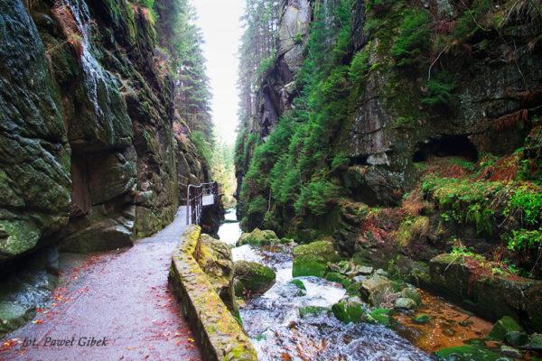 Szlak przez Śnieżne Kotły Szrenica Wodospad Kamieńczyka. Wąwoz Kamieńczyka