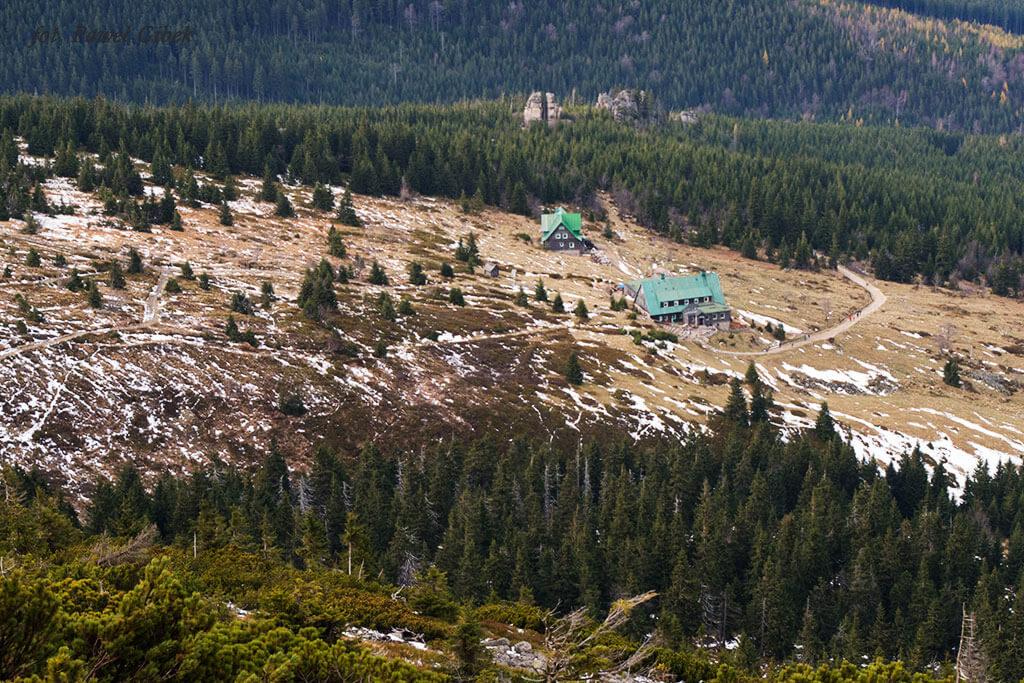 Szlak przez Śnieżne Kotły Szrenica Wodospad Kamieńczyka. Szlak który sprowadzi nas do Schroniska Pod Łabskim Szczytem