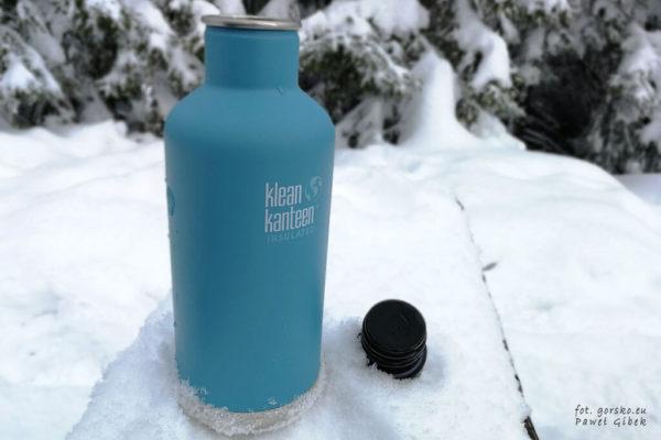 Test opinia butelka izolowana Klean Kanteen - otwarta