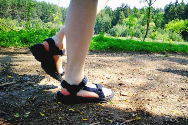 Sandały Teva Terra FI 4. Opinia po testach. Obie stopy