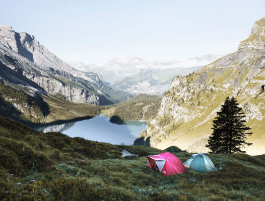 Biwak w górach. Namiot, tarp, płachta czy hamak?