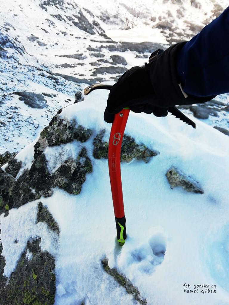 Czekan-Climbing-Technology-Dron-Plus-ma-wytrzymaly-grot