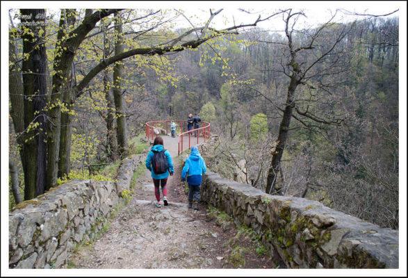 Ścieżka Hochbergów. Punkt widokowy za ruinami