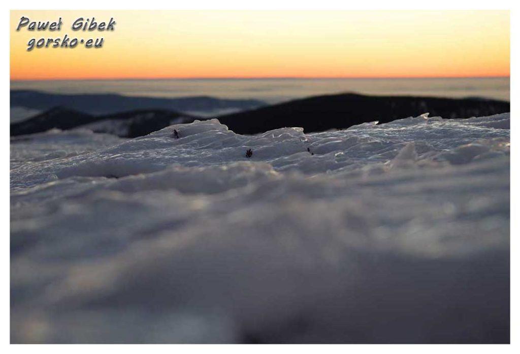 Śnieżnik-zimą.-Galeria-zdjęć-ze-szczytu.-Zachód-słońca