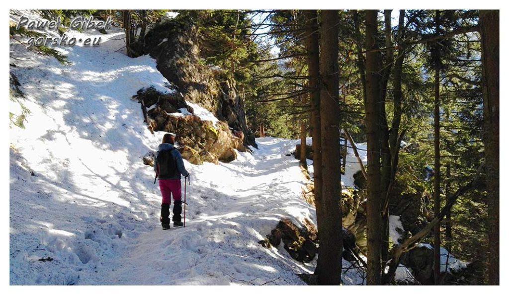 Śnieżnik-zimą.-Idziemy-dalej-ciesząc-się-piękną-pogodą