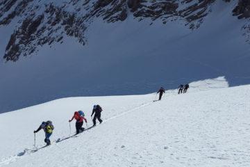 Najlepsze-narty-skiturowe