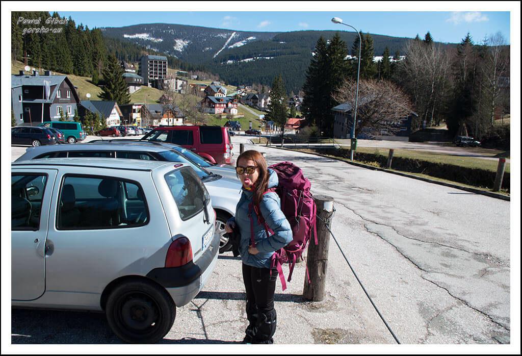 Szlak-na-Sniezke-Czechy-Parking-w-Pec-pod-Sněžkou