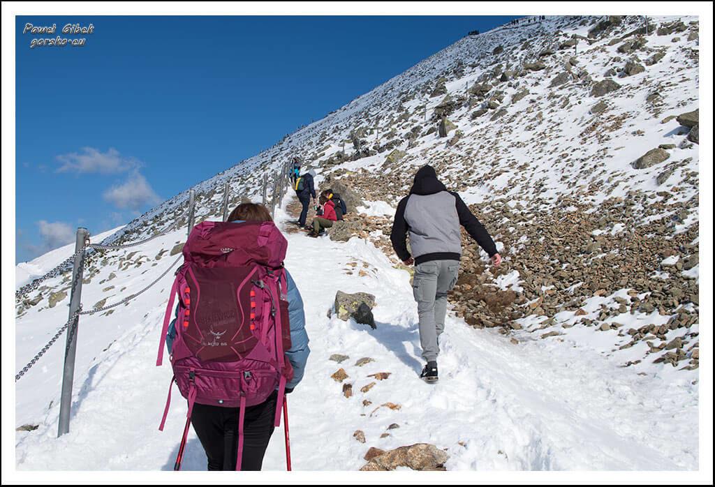 Szlak-na-Sniezke-Czechy-Podejście-na-szczyt-Śnieżki-1
