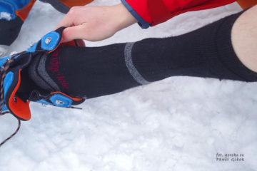 Ubieranie-buta-skarpety-zimowe-bridgedale