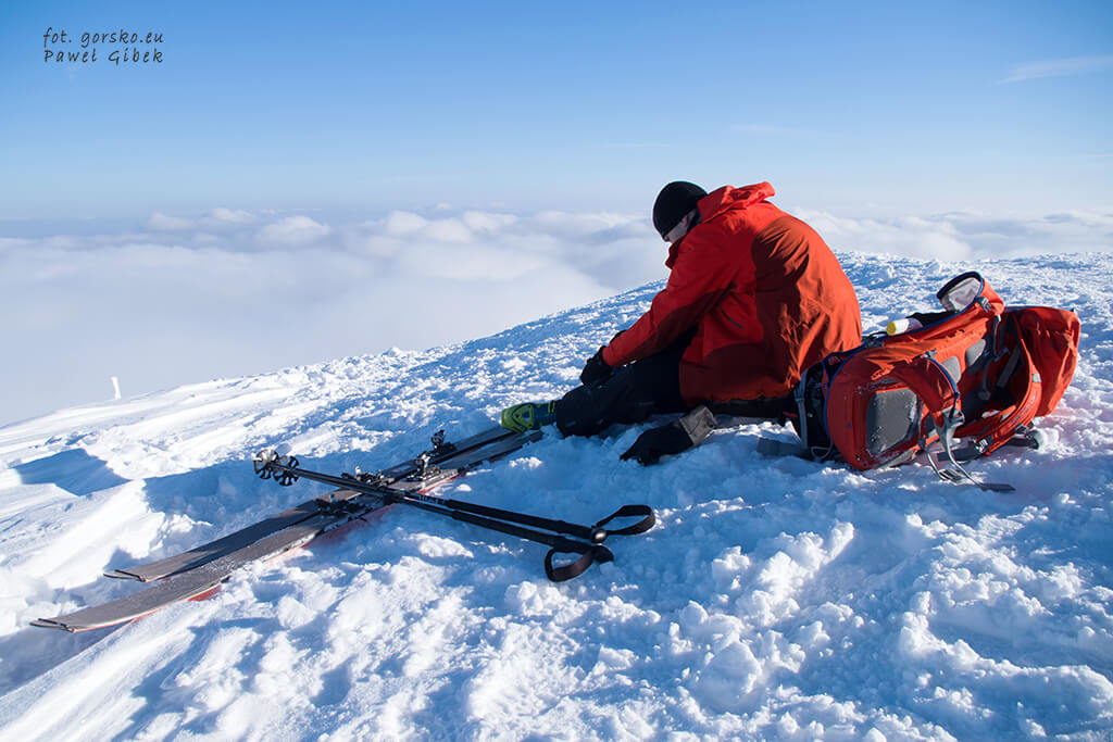 Kurtka-Marmot-Spire-to-swietny-partner-na-skitury