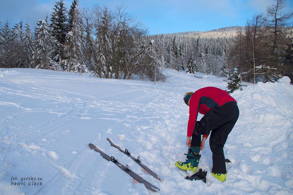 Przygotowanie-do-trasy-Śnieżka-na-skiturach