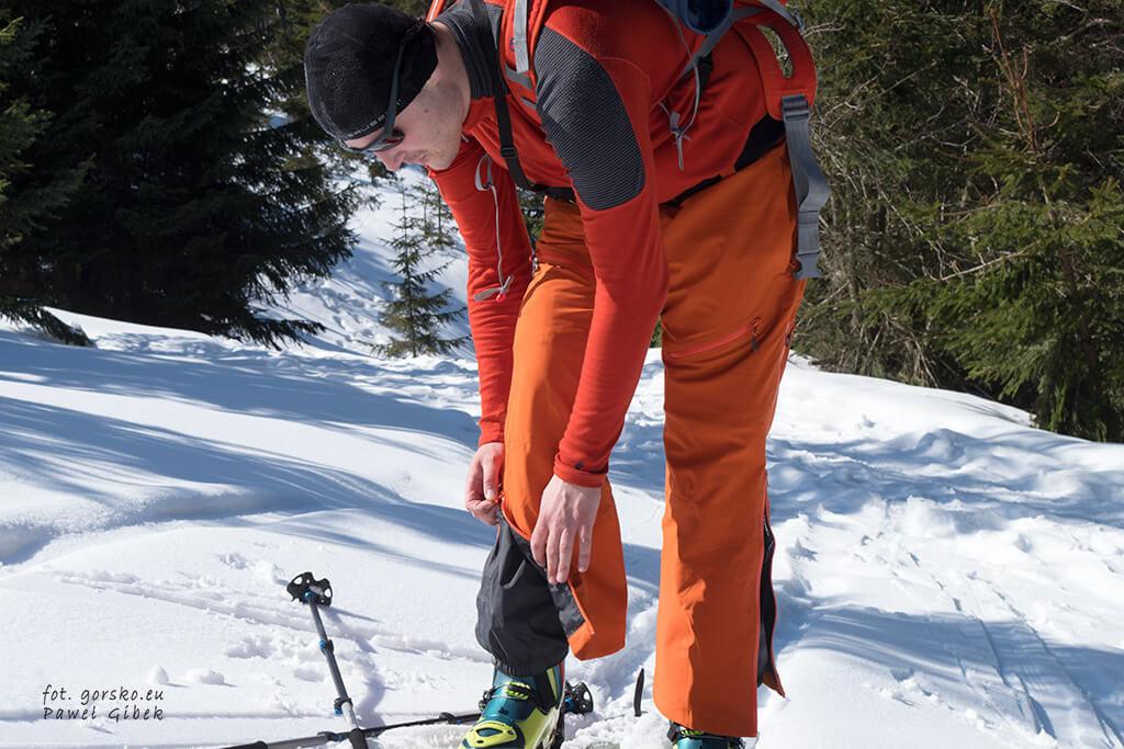 Spodnie-skiturowe-Columbia-fartuchy-przeciwśnieżne