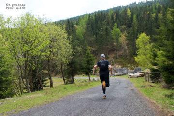 Wycieczka-biegowa-w-Górach-Izerskich
