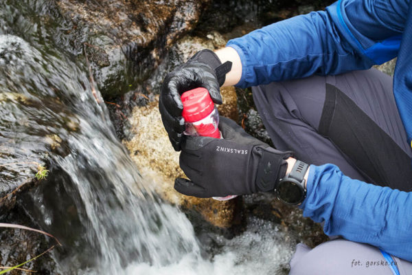 Test rękawic wodoodpornych Sealskinz Dragon Eye