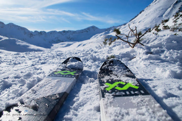 Narty skiturowe Volkl VTA 88 z wiązaniem Marker Alpinist 12. Zobacz test i opinię!