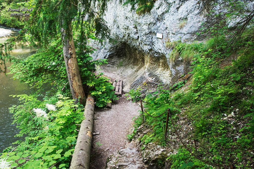 Przełom-Hornadu-w-Słowackim-Raju-łańcuchy