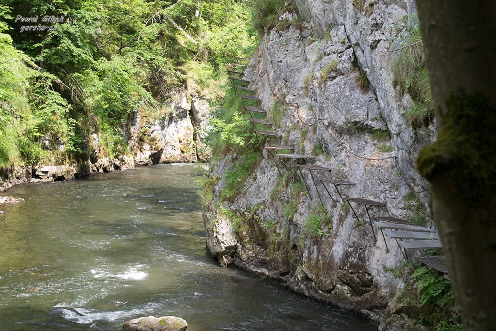 Przełom-Hornadu-w-Słowackim-Raju-stupaczki
