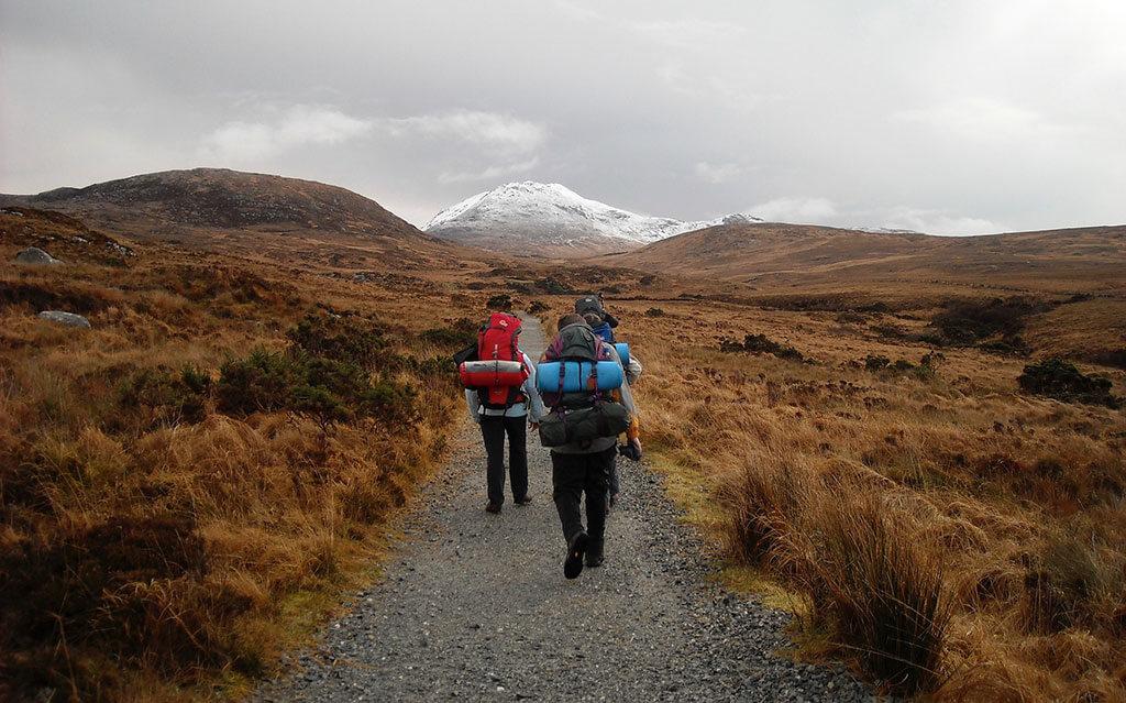 Plecak-turystyczny-w-góry