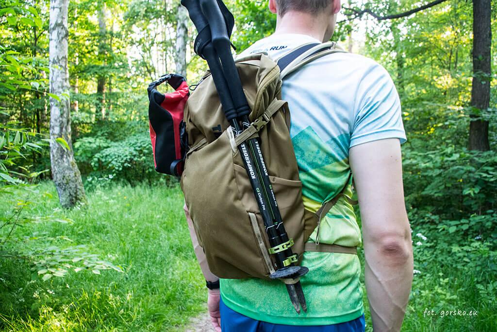 Thule-AllTrail-X-15-plecak-na-jeden-dzien-w-gory-troczenie-kijow-trekkngowych