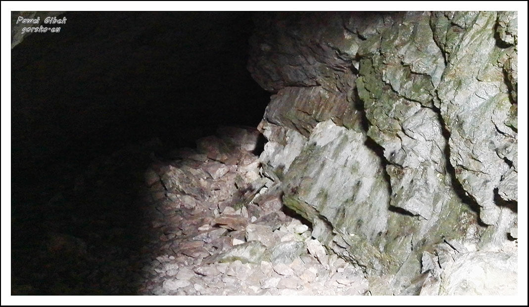 Jaskinia-Raptawicka