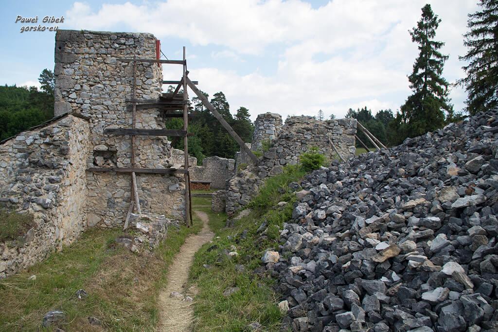 Sucha-Bela-Słowacki-Raj-Ruiny-klasztoru-kartuzów-2