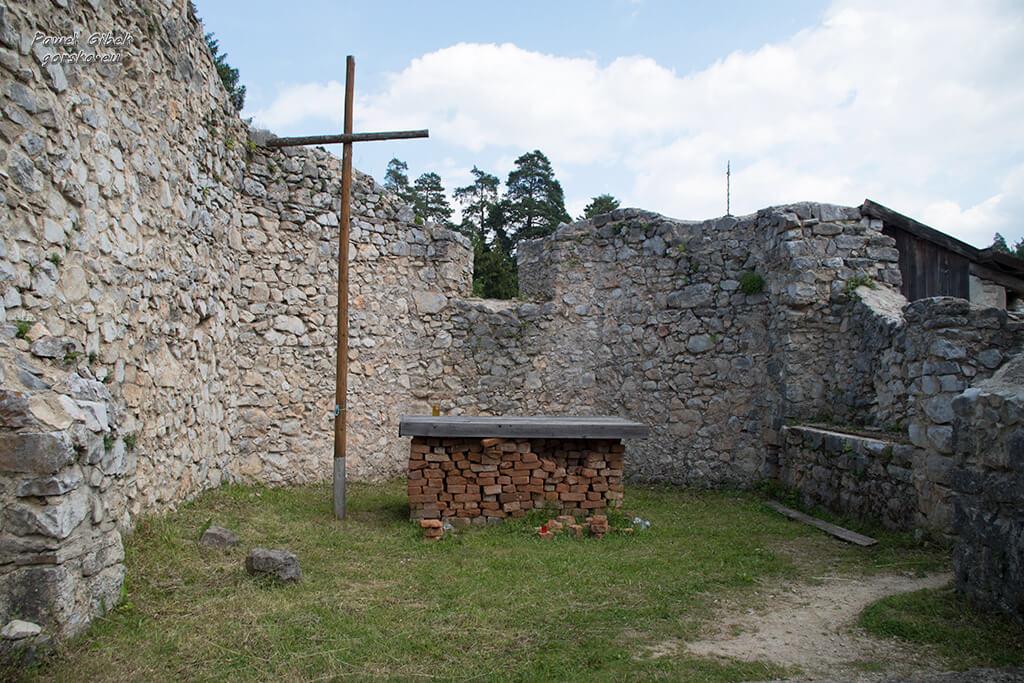 Sucha-Bela-Słowacki-Raj-Ruiny-klasztoru-kartuzów-4