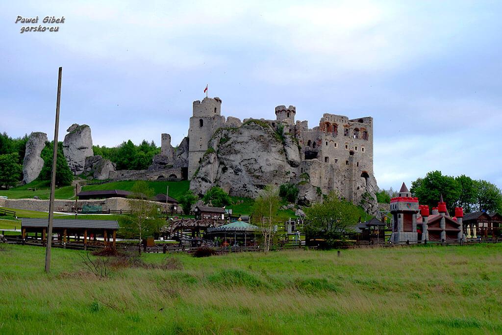 Rowerowy Szlak Orlich Gniazd. Zamek Ogrodzieniecki w Podzamczu