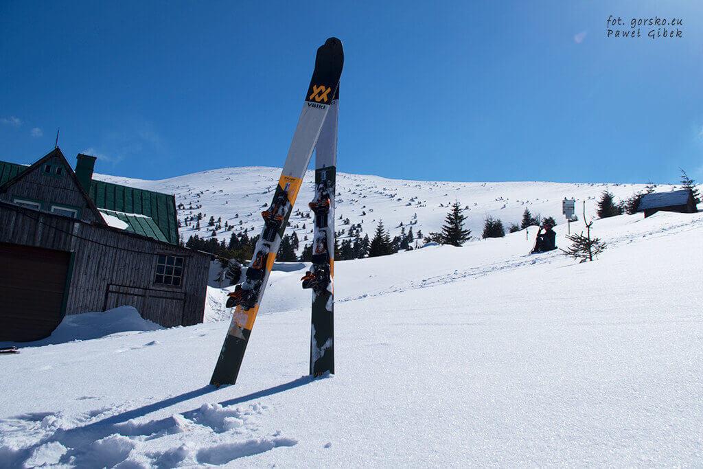 Łabski-szczyt-Szrenica-narty-skiturowe-schronisko-pod-łabskim-szczytem