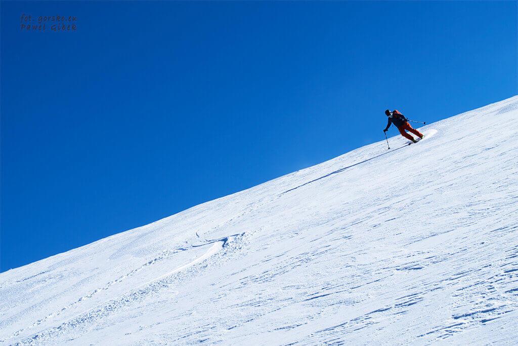 Łabski-szczyt-zjazd-na-nartach